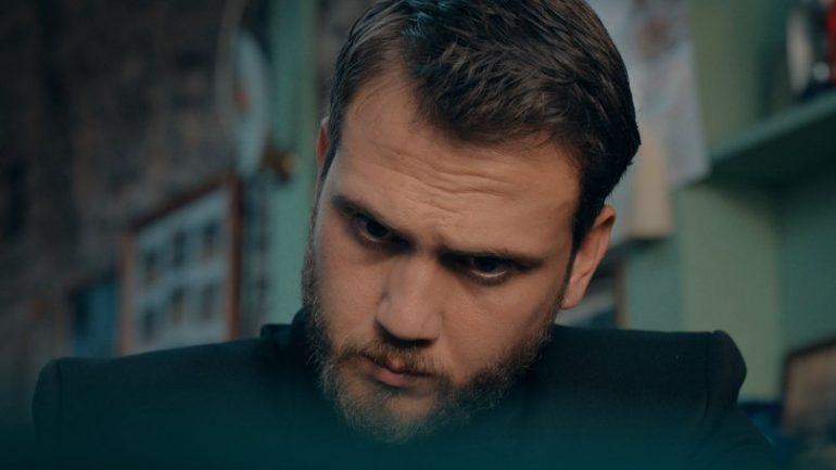 Çukur Yamaç it's not your business mate ne demek?