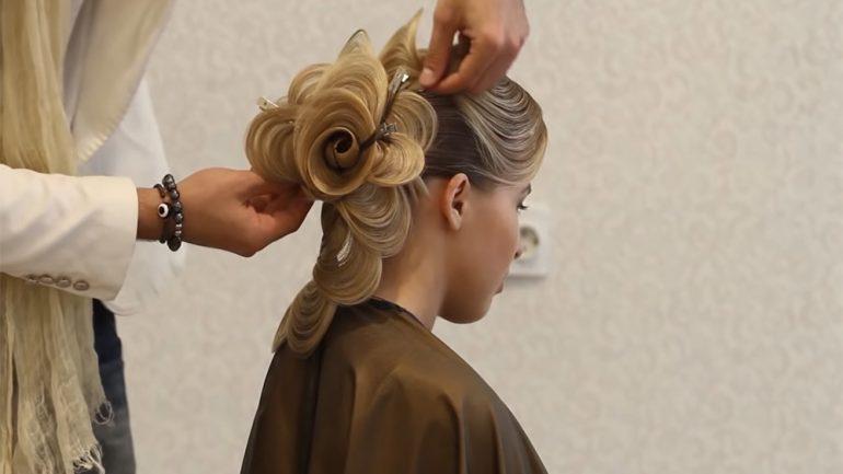 Saç Modelini 6 Dakikada Gül Şeklinde yaptı