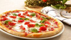 Nohut Unlu Pizza Tarifi