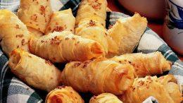Tadan Peynirli Sanıyor: Yoğurtlu Börek Tarifi